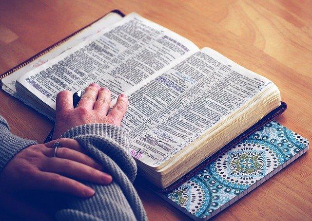 Quantos Livros Tem o Novo Testamento? Imagem representativa