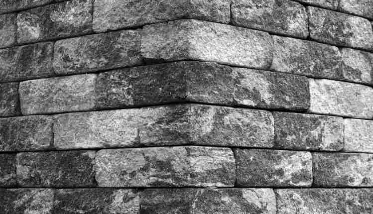 Pedra De Esquina Na Bíblia